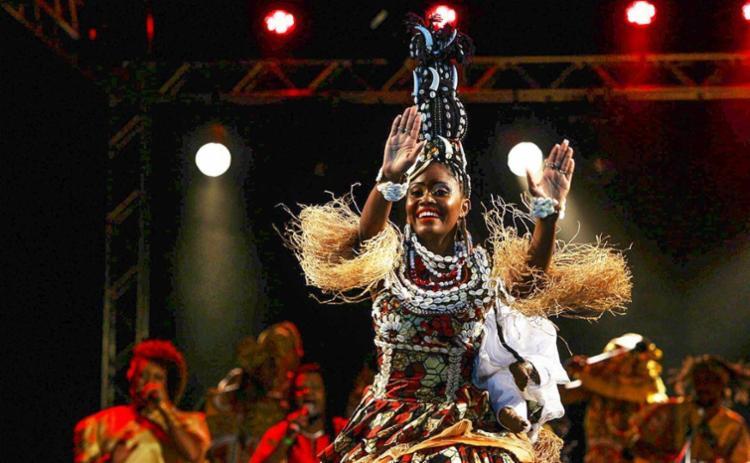 Gisele Santos Soares é professora de dança e moradora do bairro de Itapoã - Foto: Carol Garcia | GOVBA