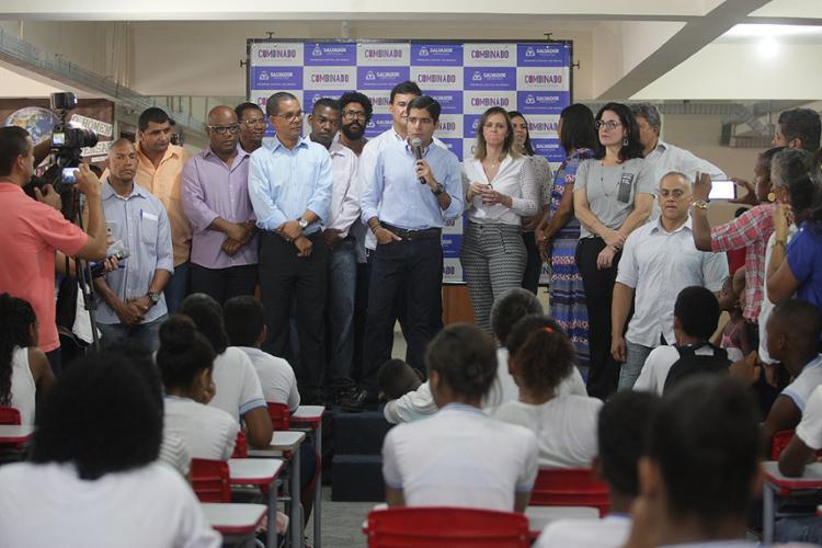O prefeito ACM Neto esteve presente na aula inaugural - Foto: Mila Cordeiro l Ag. A TARDE