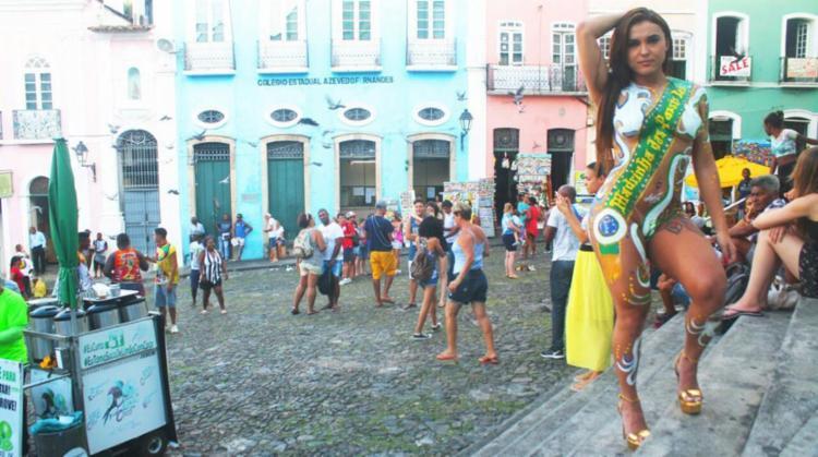 Jane Ferreira atraiu olhares pelo Centro Histórico de Salvador - Foto: Divulgação