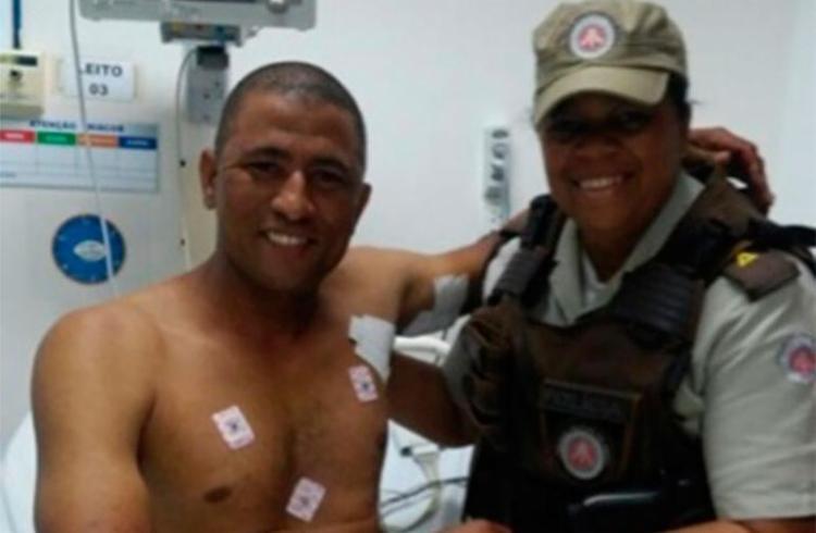 O policial militar foi atingido na axila, mas passa bem - Foto: Reprodução | Voz da Bahia