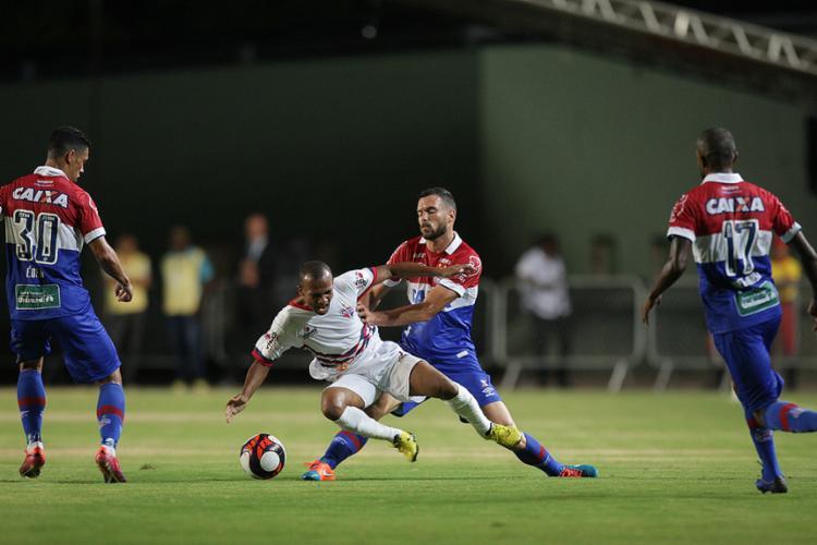 Foi quase uma Alemanha contra o Brasil. O oponente não apresentou a menor dificuldade ao motivado time da capital - Foto: Lúcio Távora l Ag. A TARDE