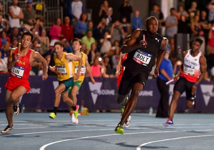 Bolt levou a prova do revezamento 4 x 100 - Foto: Theo Karanikos   AFP
