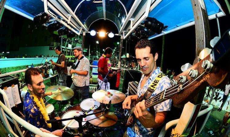 Retrofoguetes apresentar canções da folia - Foto: Ricardo Prado | Divulgação