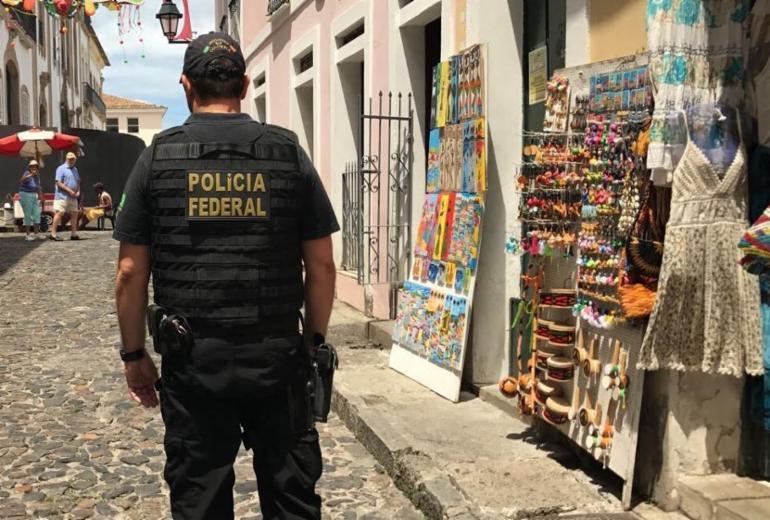 PF deflagra ação contra venda ilegal de moeda estrangeira no Pelourinho