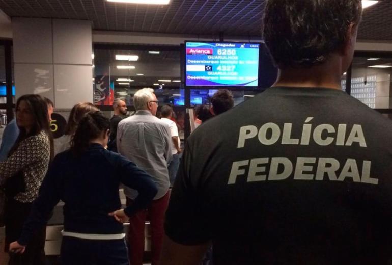 Polícia Federal intensifica fiscalização no aeroporto internacional de Salvador