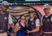 PMs devolvem notebook esquecido em ponto de ônibus em Salvador | Foto: