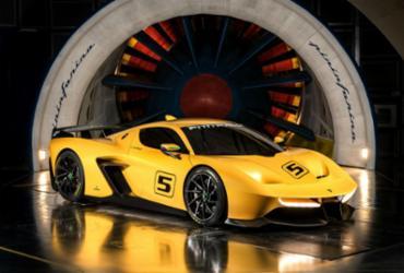 Estúdio italiano e Emerson Fittipaldi lançam supercarro