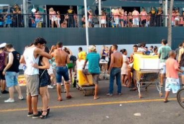 Foliões continuam na rua nesta Quarta-feira de Cinzas |