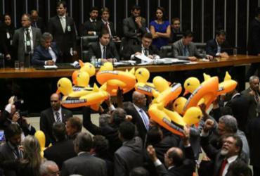 Lei da terceirização resulta em protestos no Distrito Federal