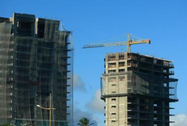Construção civil segue em queda no país