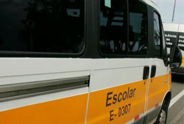 Van escolar é assaltada e alunos saqueados em Patamares