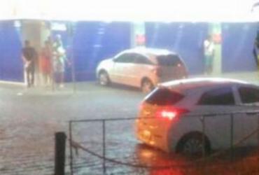 Após forte chuva, pai e filho são soterrados em Porto Seguro
