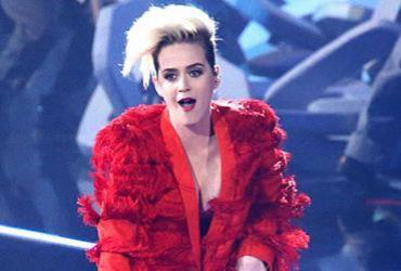 Katy Perry e Orlando Bloom teriam se separado por estarem em 'fases diferentes'
