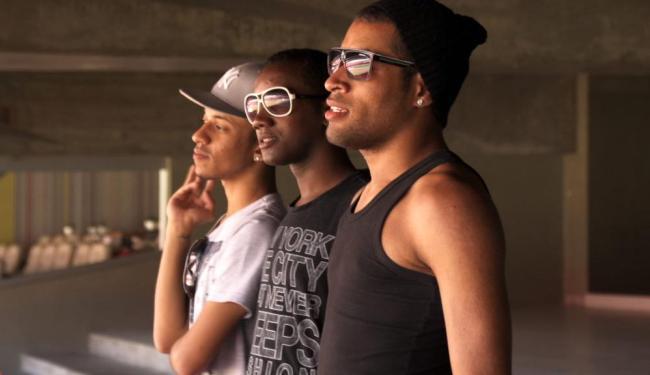 Jovens ficam acampados esperando show de Beyoncé no Brasil - Foto: Divulgçaão