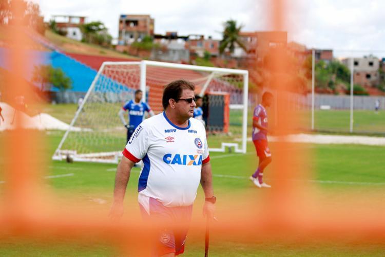 Guto Ferreira deve mudar zaga e ataque para o duelo - Foto: Felipe Oliveira | EC Bahia | Divulgação