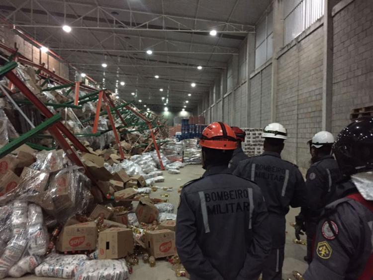 Equipes dos bombeiros estiverem no local do acidente - Foto: Divulgação | Corpo de Bombeiros