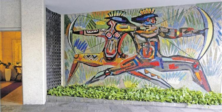 Índios de Carybé no playground do Edifício Campo Grande - Foto: Mila Cordeiro/ Ag. A TARDE