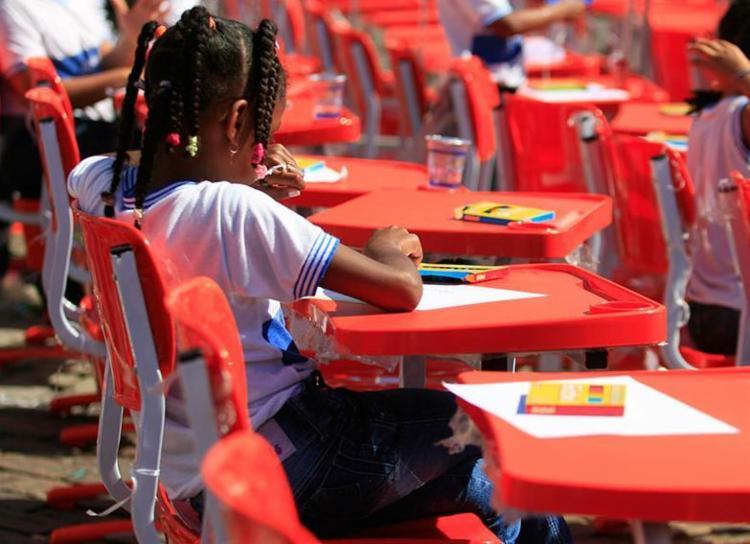 A verba deve ser utilizada em obras e ações na área da educação - Foto: Joá Souza | Ag. A TARDE | 27.07.2015