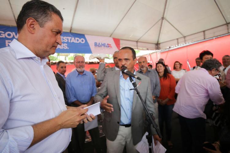 Elinaldo aproveitou para cobrar outras obras ao governador - Foto: Divulgação