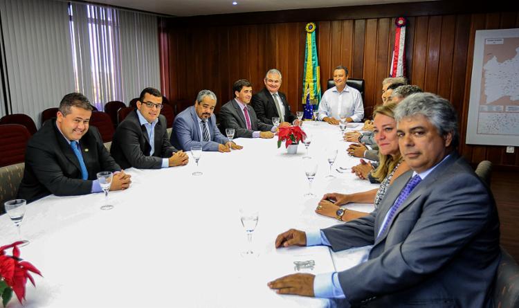 Encontro foi realizado na governadoria nesta segunda-feira, 13 - Foto: Vaner Casaes l ALlBA