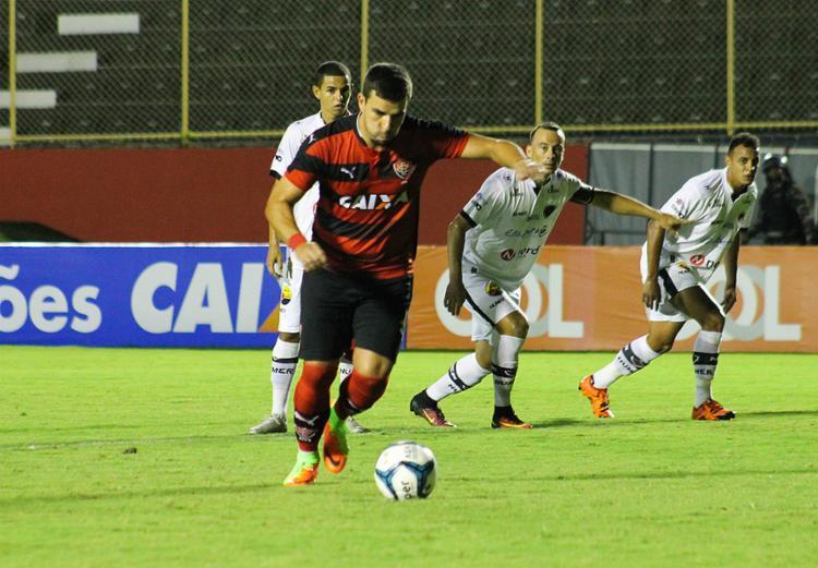 André Lima perdeu pênalti contra o Botafogo-PB - Foto: Maurícia da Matta l EC Vitória