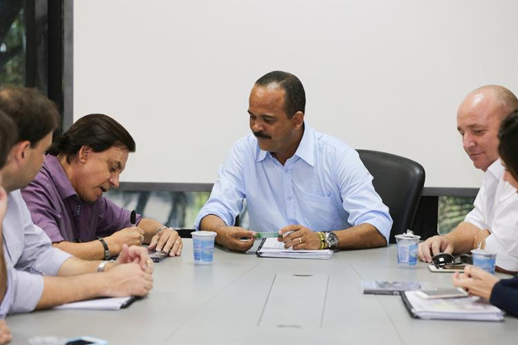 Chitãozinho e executivos da Exsa Desenvolvimento Urbano se reuniram com o prefeito Antonio Elinaldo - Foto: Gilliard Sanso l Ascom l Prefeitura de Camaçari