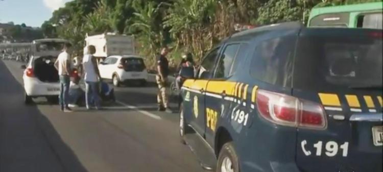 Acidente aconteceu na Jaqueira do Carneiro (BR-324) - Foto: Reprodução   TV Globo