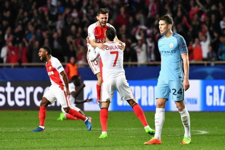 Jogadores do Monaco vibram com classificação - Foto: Pascal Guyot l AFP