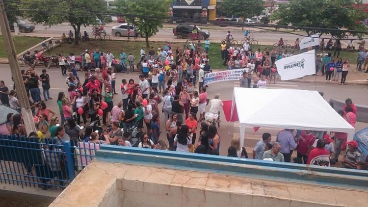 Ato público em frente ao INSS de Barreiras, no oeste - Foto: Maria Castilho l Divulgação