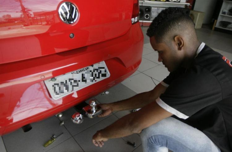Cada carro precisa de um tipo específico de reboque - Foto: Edilson Lima / Ag. A TARDE