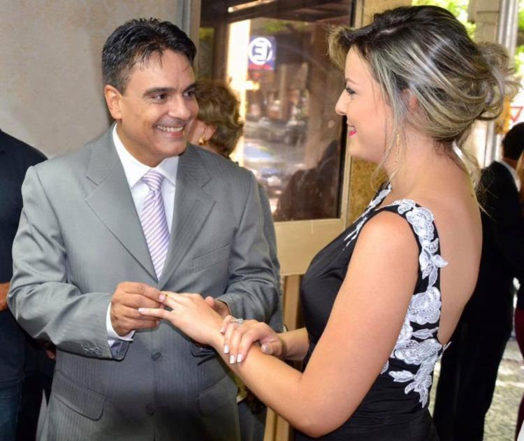 Pádua na troca das alianças com Juliana Lacerda - Foto: Reprodução | Facebook