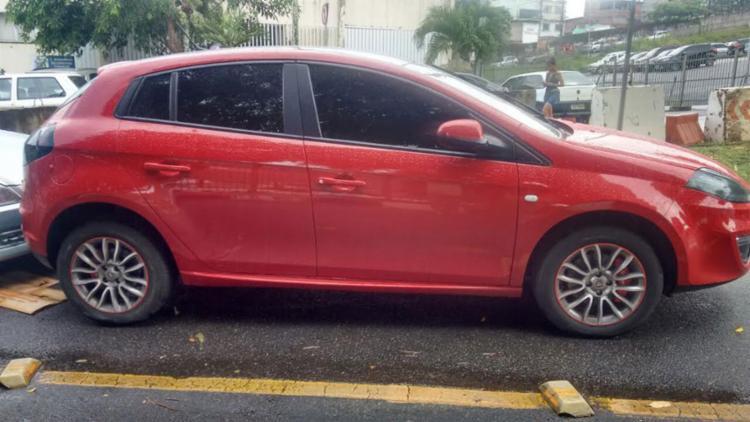 Veículo foi apreendido pela polícia nesta sexta, com placa clonada - Foto: Divulgação   Polícia Civil