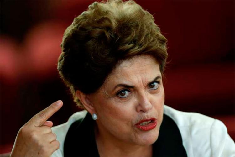 Na interpretação de Dilma a sugestão de Cunha está nas perguntas encaminhadas por ele a Temer no final do ano passado - Foto: Agência Reuters