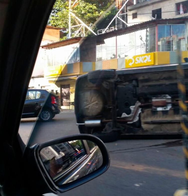 Trânsito ficou congestionado no momento, mas já foi liberado - Foto: Cidadão Repórter | Via WhatsApp