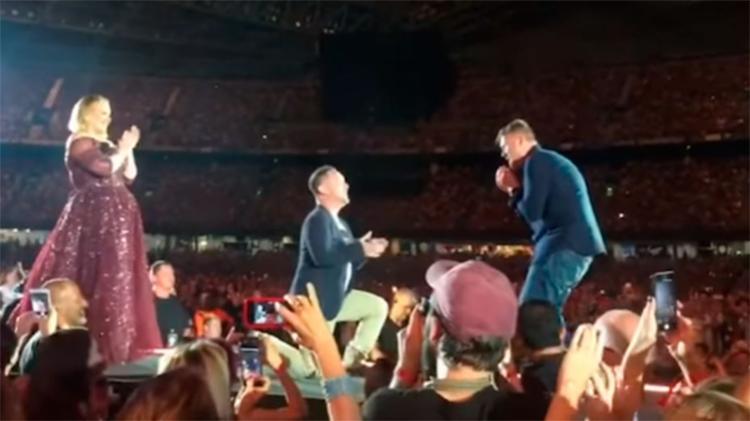 O pedido foi feito no palco - Foto: Reprodução | YouTube