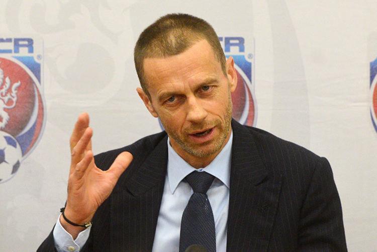 Poucos países teriam condições de sediar Copa de 48 times, diz presidente da Uefa - Foto: Michal Cizek | AFP