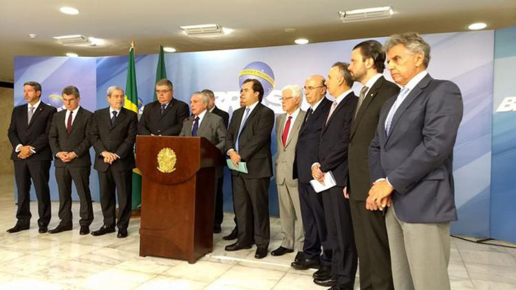 Anúncio é o primeiro recuo oficial do governo na PEC da aposentadoria e pode abrir novos precedentes de mudanças - Foto: Valter Campanato l Agência Brasil