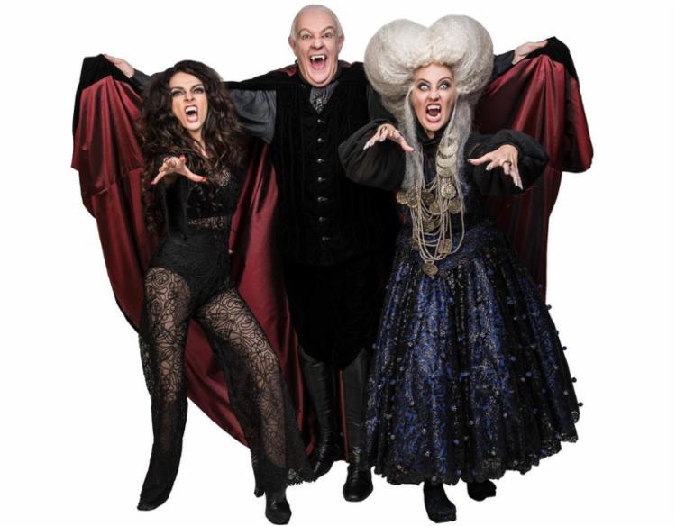 Claudia Ohana, Ney Latorraca e Claudia Netto caracterizados em seus personagens para Vamp - Foto: Divulgação
