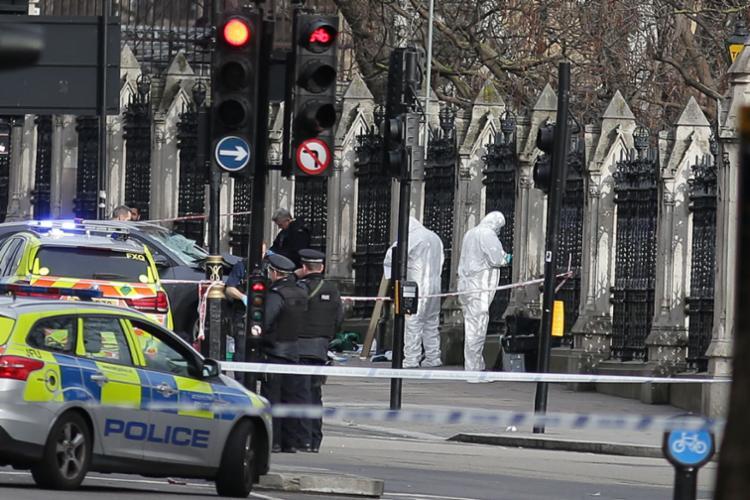 Segurança é reforçada no entorno do Parlamento - Foto: Daniel Leal Olivas | AFP