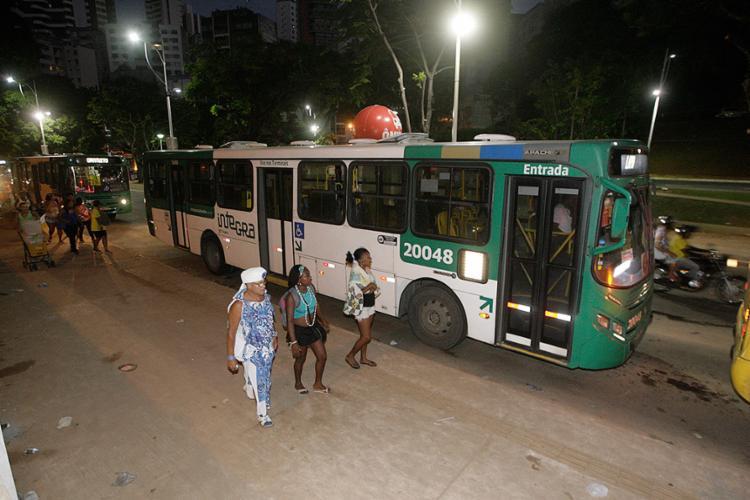 Via exclusiva para ônibus contou com radar móvel para inibir infração de condutores - Foto: Luciano da Matta l Ag. A TARDE l 1º.3.2017