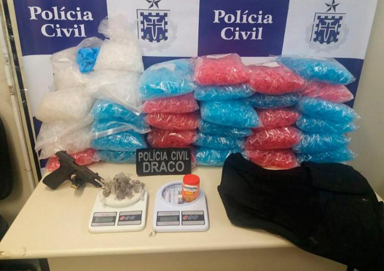 Os policiais receberam uma denúncia anônima sobre o tráfico no local - Foto: Divulgação | Polícia Civil