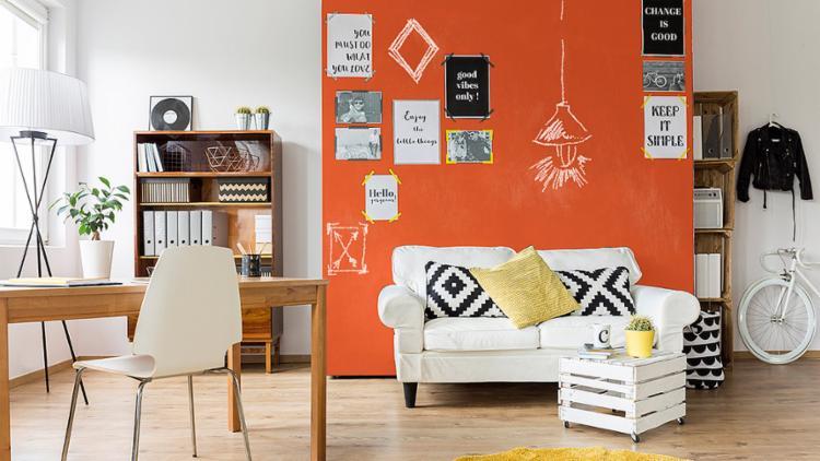 Uma parede com cor diferente deixa o espaço com cara nova - Foto: Divulgação l Suvinil