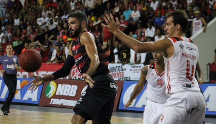 Os atletas do Vitória lutaram, mas o Flamengo levou a melhor - Foto: Maurícia da Matta | EC Vitória