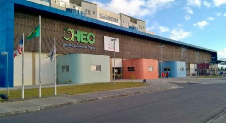Criança passou por cirurgia no HEC - Foto: Ed Santos | Reprodução | Acorda Cidade