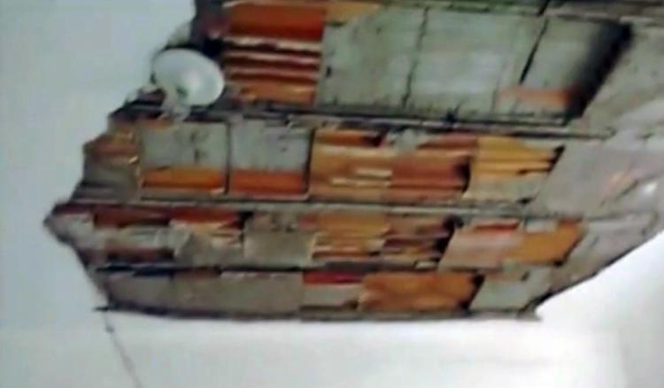 Teto do posto médico após desabamento - Foto: Reprodução | TV Globo