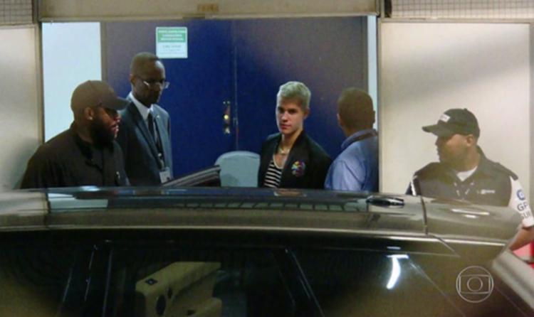 Cantor chegou ao país na madrugada desta quarta-feira - Foto: Reprodução | TV Globo