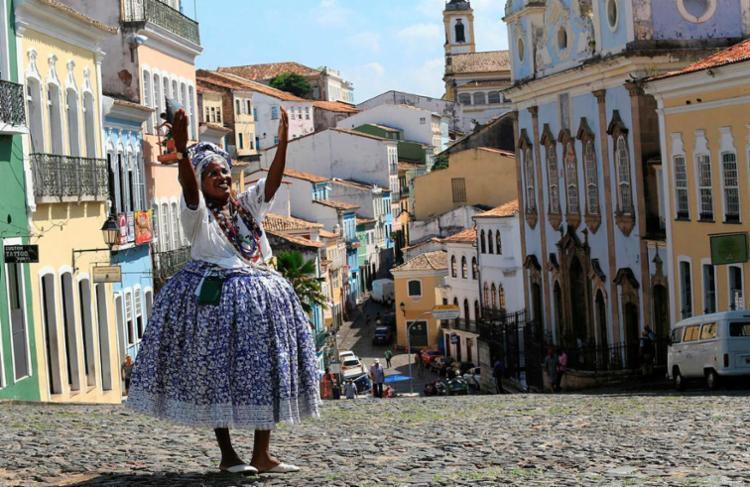 Casario e baiana são dois ícones de Salvador - Foto: Adilton Venegeroles | Ag. A Tarde