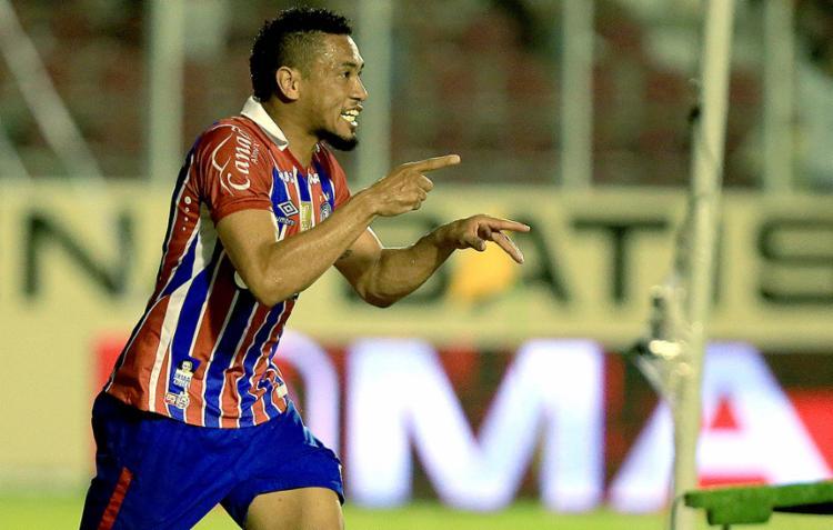 Brocador fez boa partida no Batistão e dedicou seu gol para Jotinha, celebridade da internet - Foto: Felipe Oliveira l EC Bahia