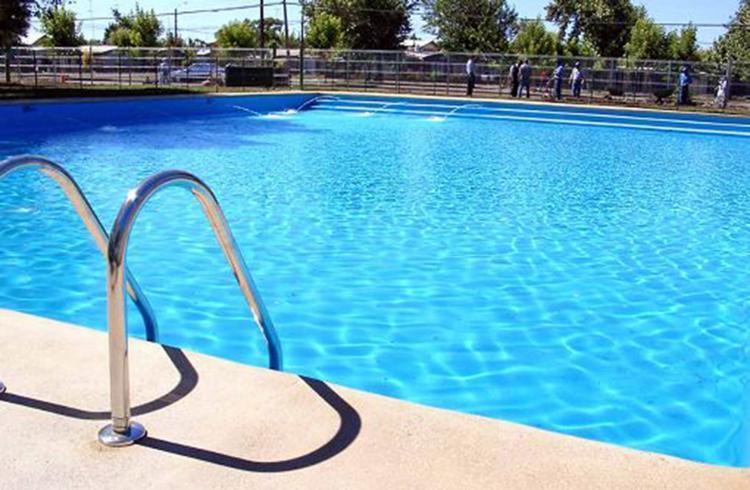 Crianças devem ser monitoradas sempre que estiverem em área de piscina - Foto: Joá Souza l Ag. A TARDE