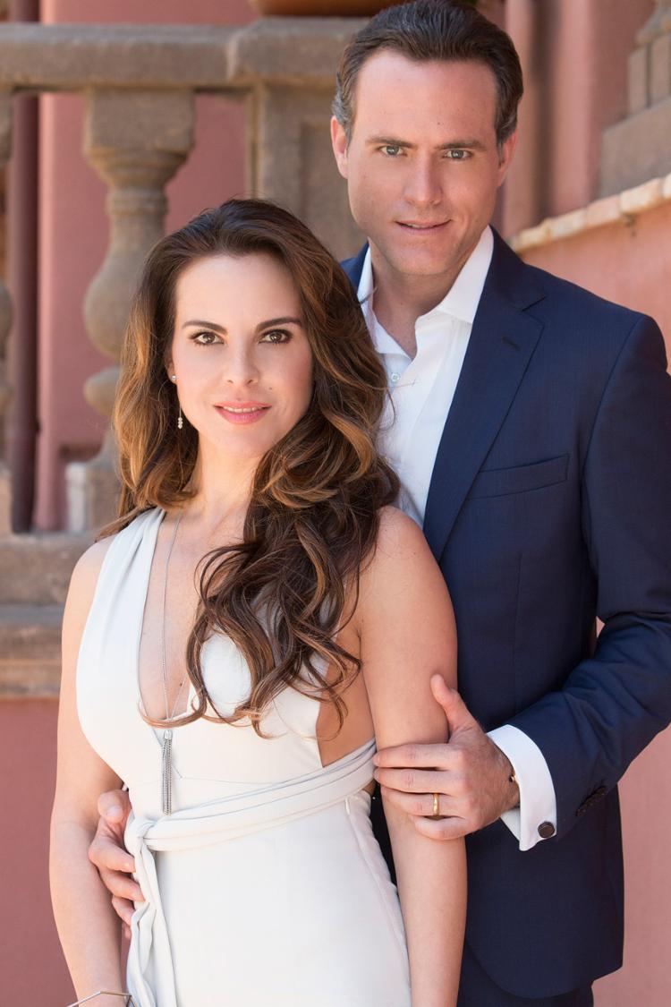 Os atores Kate del Castillo e Erik Hayser estão em Ingobernable, nova série da Netflix - Foto: Divulgação